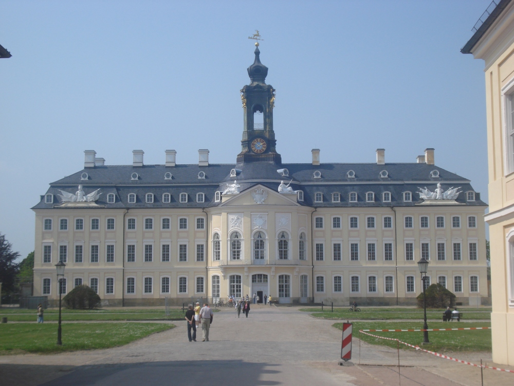 Hubertusburg (frontal)